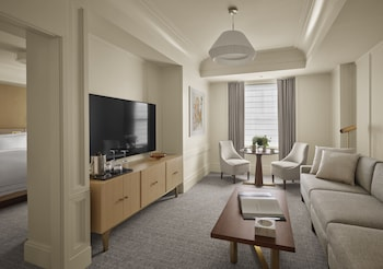 Classic Suite, Accessible (with Roll-In Shower)
