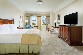 Room, 1 King Bed, Park View (Scenic)