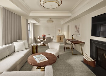 Classic Suite, Fireplace