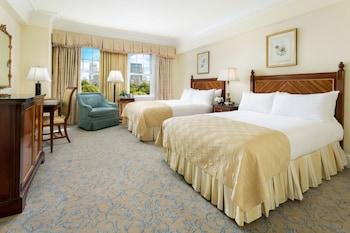 Premier Room, 2 Queen Beds, View (Commonwealth)