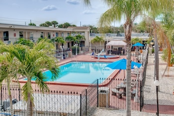 Hotel - Days Inn by Wyndham St. Petersburg / Tampa Bay Area