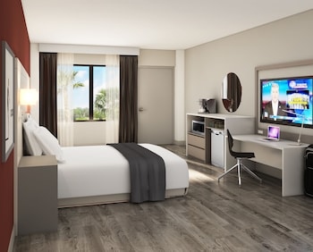 Guestroom at Avanti Palms Resort and Conference Center in Orlando