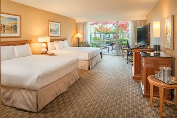 Deluxe Room, Multiple Beds, Pool View