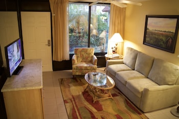 The Suites at Magic Tree - Living Area  - #0