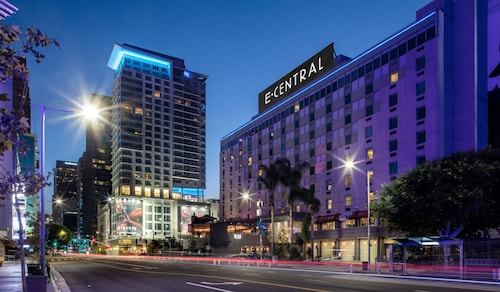 . E-Central Downtown Los Angeles Hotel