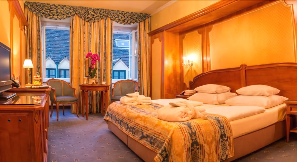 シュロスホテル レーミッヒャー カイザー