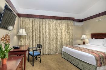 Standard Room, 1 Queen Bed, Garden Area