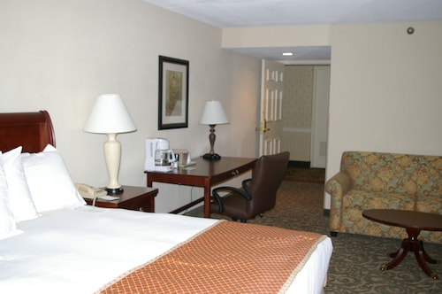 Sturbridge Host Hotel & Conference Center, Worcester