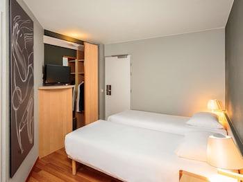 Oda, 2 Tek Kişilik Yatak