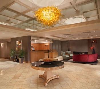 阿克倫費爾勞恩希爾頓飯店 Hilton Akron Fairlawn