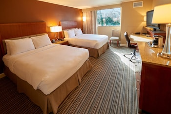 Suite, Non Smoking (2 King Beds)