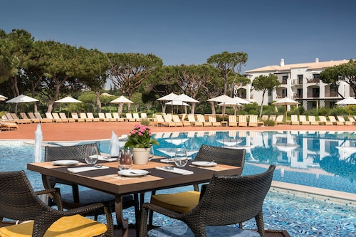 Pine Cliffs Hotel, a Luxury Collection Resort, Algarve, Albufeira