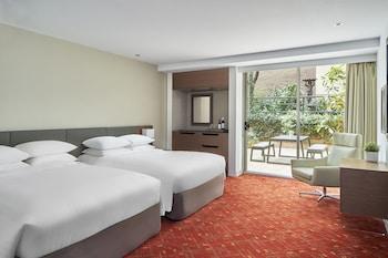Oda, 2 Çift Kişilik Yatak, Sigara İçilmez, Avlu Manzaralı