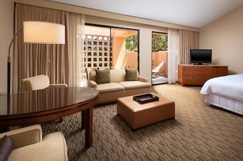 Studio Suite, 1 King Bed, Balcony, Corner