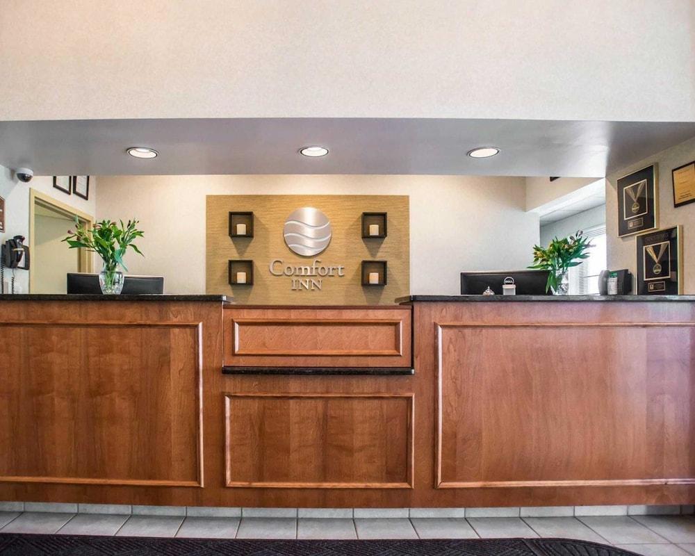 https://i.travelapi.com/hotels/1000000/10000/4200/4148/632590cb_z.jpg