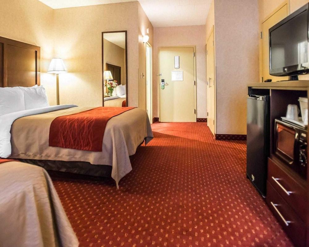 https://i.travelapi.com/hotels/1000000/10000/4200/4148/93f02c87_z.jpg