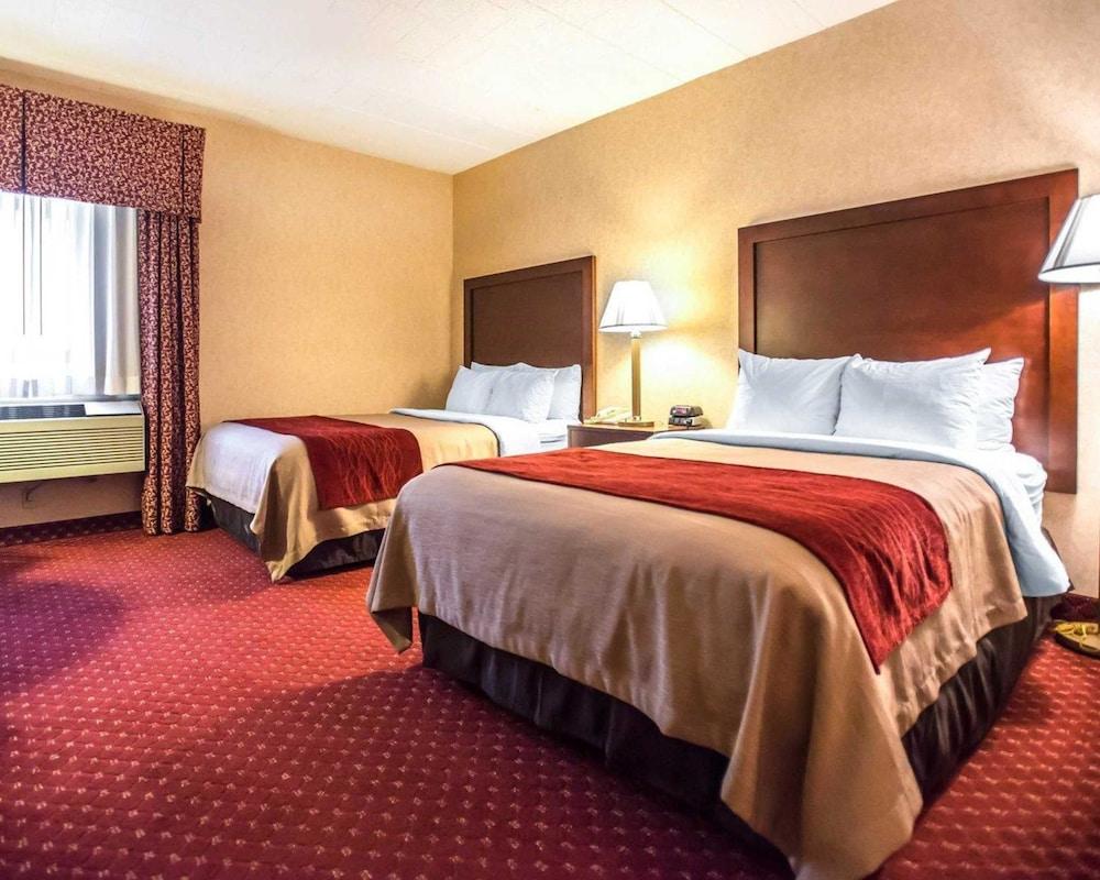 https://i.travelapi.com/hotels/1000000/10000/4200/4148/b372c825_z.jpg