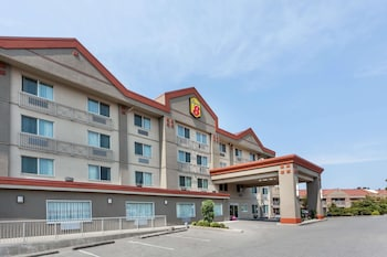 Hotel - Super 8 by Wyndham Abbotsford BC