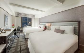 Premier Room, 2 Queen Beds, Corner
