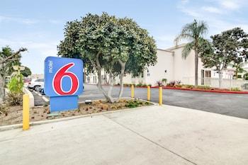 Hotel - Motel 6 Carson