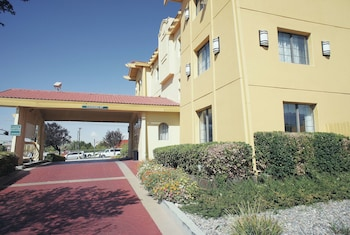 阿布奎基機場溫德姆拉昆塔飯店 La Quinta Inn by Wyndham Albuquerque Airport