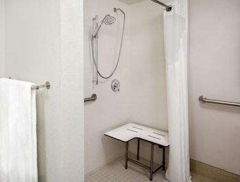 Guestroom at Holiday Inn Express Chesapeake - Norfolk in Chesapeake