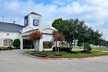 Hotel - Motel 6 West Plano - Frisco, TX