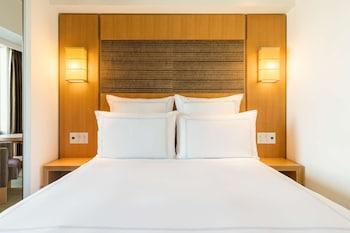 Swiss ルーム クイーンベッド 1 台|スイスホテル南海大阪
