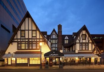 Hotel - Seven Gables Inn