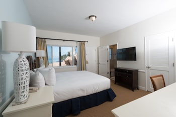 Suite, Multiple Beds, Kitchen, Beachfront
