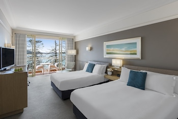 Premium Queen Room (Two Beds) - Balcony & Ocean View