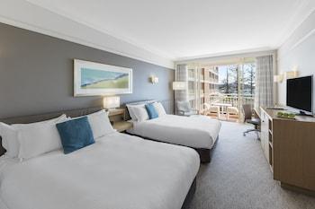 Room, 2 Queen Beds, Balcony, Resort View