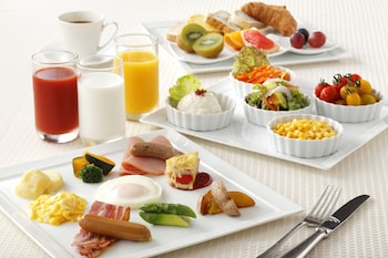 AKASAKA EXCEL HOTEL TOKYU Breakfast Meal