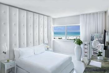 Standard Room, 1 King Bed, Oceanfront