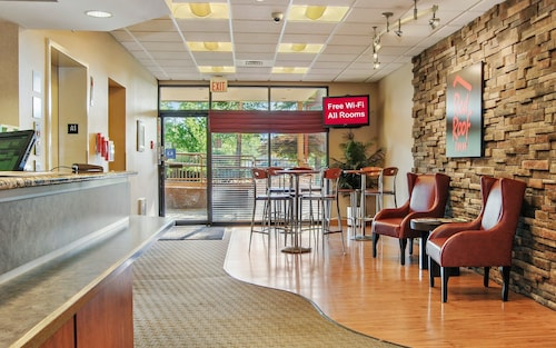 . Red Roof Inn Cleveland Airport-Middleburg Heights