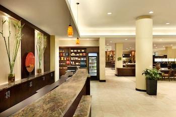 Lobby at Hilton Washington DC North/Gaithersburg in Gaithersburg