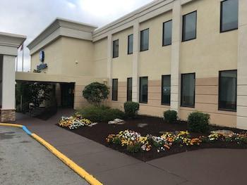 Monroeville Plaza Hotel