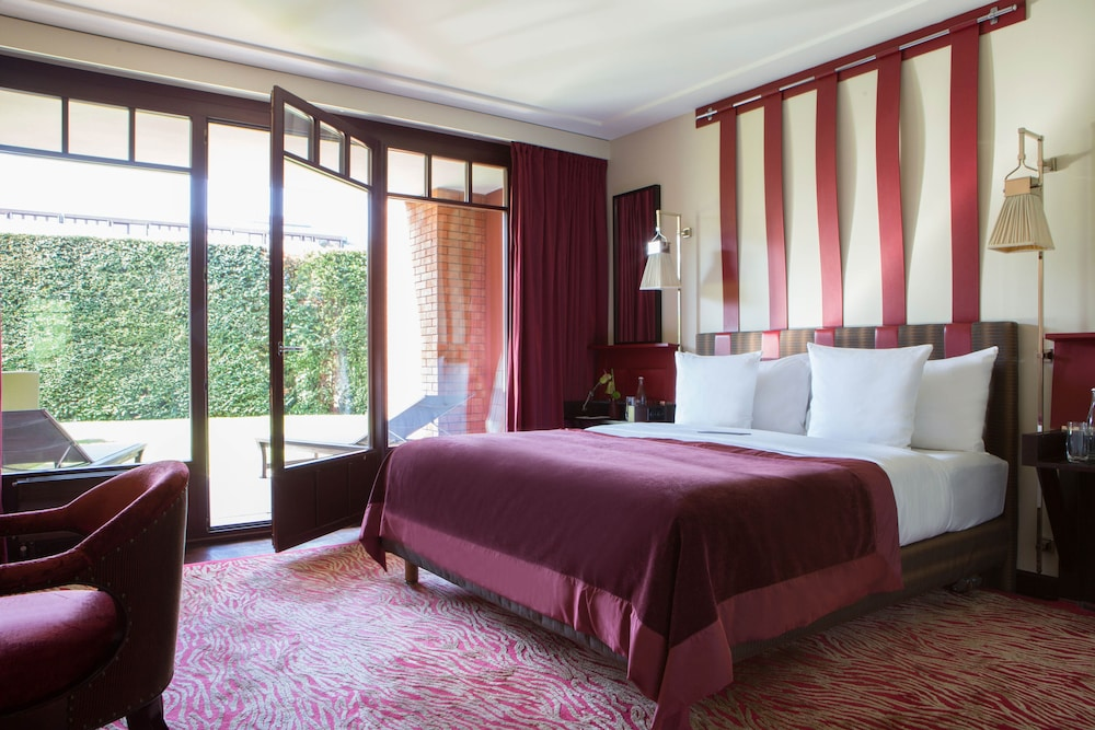 Suite, 1 King Bed (Leman)