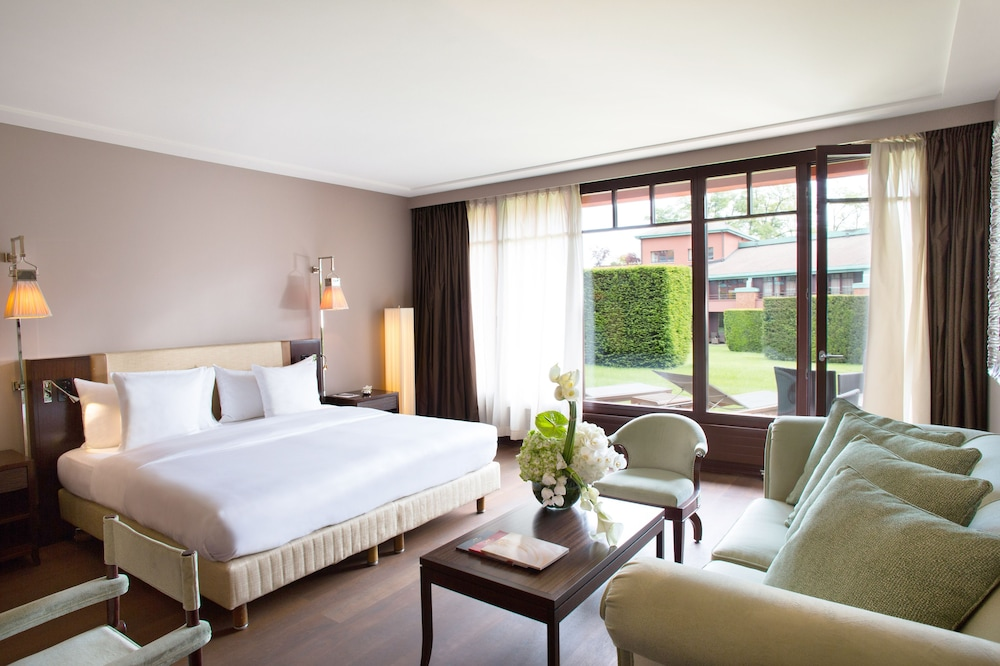 Junior Suite, 1 King Bed, Terrace