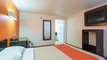 Standard Room, 1 Double Bed, Accessible, Smoking
