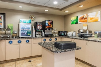 Johnstown Vacations - Quality Inn & Suites - Property Image 1