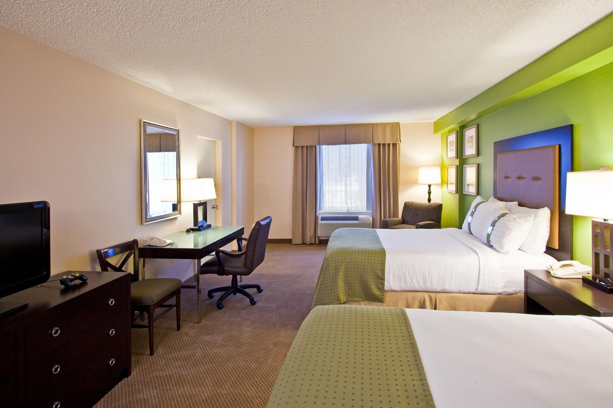 Holiday Inn & Suites Across From Universal Orlando, Orange