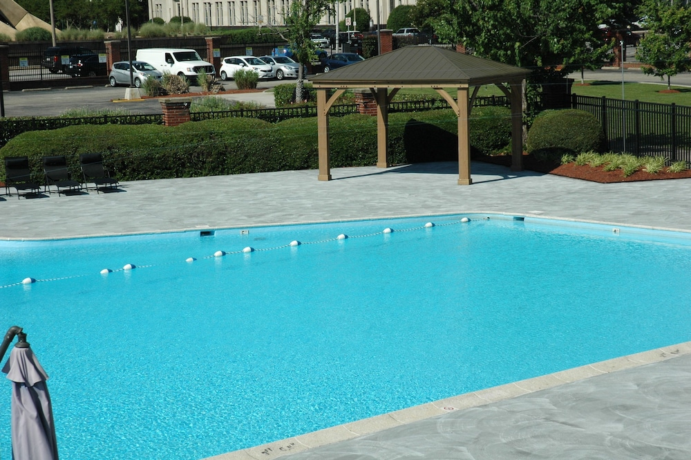 Pool : Outdoor Pool 4 of 76