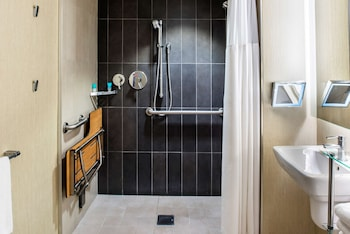 Room, 2 Double Beds, Accessible (Shower)