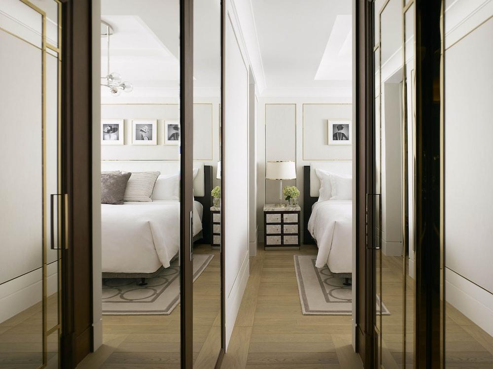 https://i.travelapi.com/hotels/1000000/10000/5000/4921/7426e2a0_z.jpg