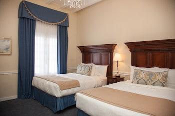 Classic Suite, 2 Queen Beds, Non Smoking