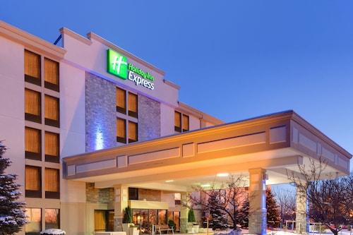 . Holiday Inn Express Flint-Campus Area
