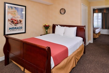 Suite, Multiple Beds, Non Smoking, Microwave (Oversized Room)