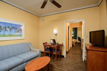 Quality Inn & Suites Port Canaveral Area - Living Area  - #0