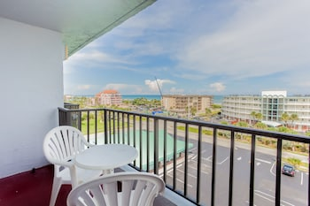 One Bedroom Queen Suite - Ocean view